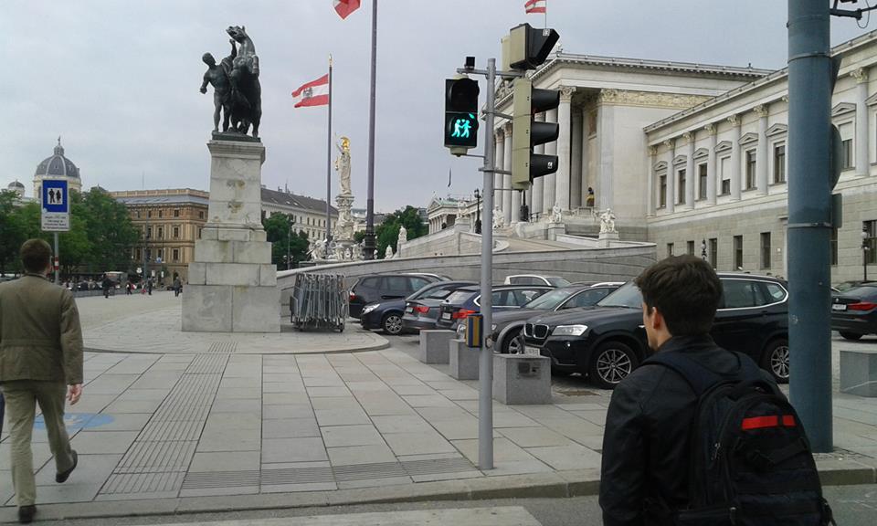 Światła z jednopłciową parą tuż przy austriackim parlamencie